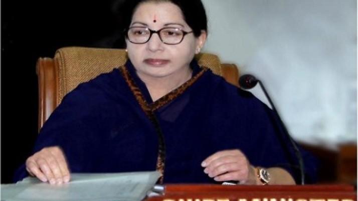 கனமழையின் காரணமாக உயிரிழந்த 18 பேரின் குடும்பங்களுக்கு, ரூ.72 லட்சம் நிதியுதவி வழங்க முதலமைச்சர் ஜெயலலிதா உத்தரவு