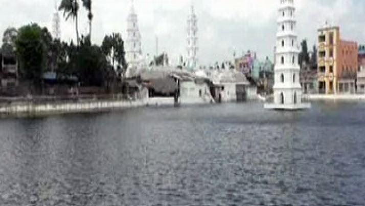 நாகூர் தர்கா குளம் தூர்வாரப்பட்டு, பக்தர்களின் பயன்பாட்டுக்கு திறப்பு : முதலமைச்சர் ஜெயலலிதாவுக்கு மக்கள் நன்றி