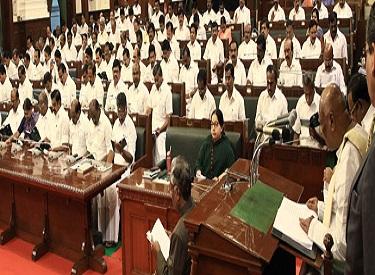 மக்கள்நலத் திட்டங்களை சிறப்பாக செயல்படுத்தி வருகிறார் முதலமைச்சர் ஜெயலலிதா:ஆளுநர் ரோசய்யா பாராட்டு