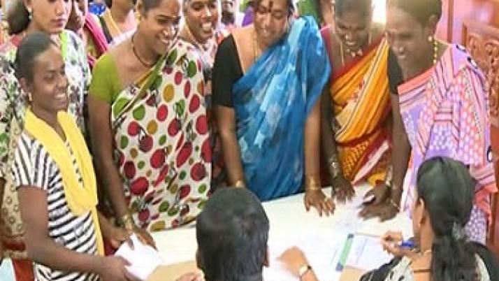 முதலமைச்சர் ஜெயலலிதாவின் தீவிர  முயற்சியால் சென்னையில் திருநங்கைகளுக்கான வேலைவாய்ப்பு முகாம் : 400-க்கும் மேற்பட்டவர்கள் பங்கேற்பு