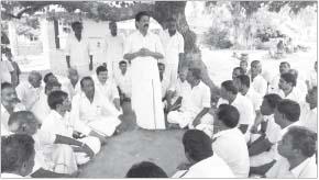 காவேரிப்பட்டணம் ஒன்றியத்தில் அ.தி.மு.க. வேட்பாளர் வாக்கு சேகரிப்பு