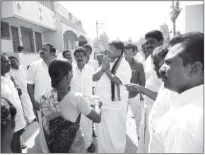 அ.தி.மு.க. வேட்பாளர் ஹேம்நாத் வாக்கு சேகரிப்பு
