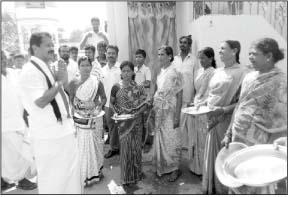 அ.தி.மு.க. வேட்பாளர் கோவிந்தராஜ் வாக்கு சேகரிப்பு