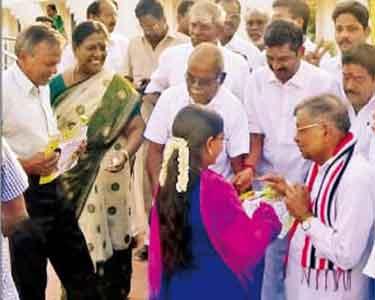 பெண்கள் கலைக்கல்லூரி அமைக்கப்படும் அ.தி.மு.க. வேட்பாளர் பண்ருட்டி ராமச்சந்திரன்