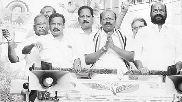 தாம்பரத்தில் சிட்லபாக்கம் ராஜேந்திரன் தீவிர வாக்கு சேகரிப்பு
