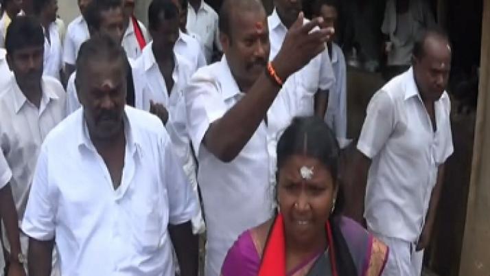 தேர்தல் விதிகளை மீறியதாக சோழவந்தான் தொகுதி திமுக வேட்பாளர் பவானி மீது வழக்குபதிவு
