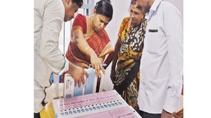 தமிழகத்தில் 232 சட்டசபை தொகுதிகளுக்கு இன்று தேர்தல்;  காலை 7 மணிக்கு வாக்குப்பதிவு தொடங்கியது