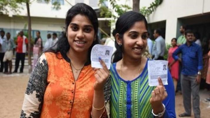 தமிழகத்தில் சட்டப்பேரவைத் தேர்தல் அமைதியாக நடந்தது : 74 சதவீத வாக்குப்பதிவு