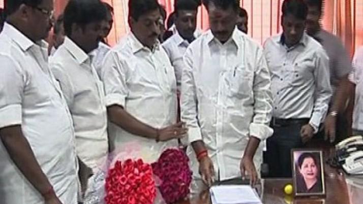 தமிழ்நாடு வீட்டுவசதி வாரியத்தின் புதிய தலைவராக P.K. வைரமுத்து பொறுப்பேற்பு