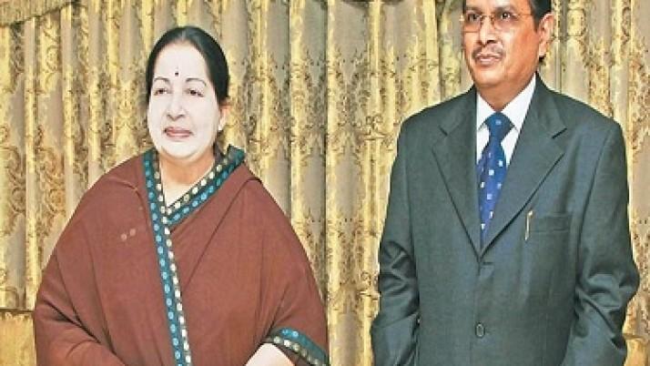 புதிய தலைமைச் செயலாளராக நியமிக்கப்பட்டுள்ள பா.இராம மோகன் ராவ் சந்தித்து முதலமைச்சர் ஜெயலலிதாவை வாழ்த்து பெற்றார்