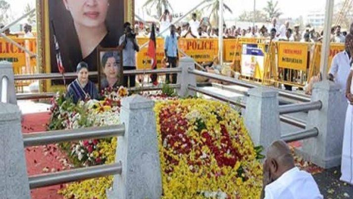 மறைந்த முதலமைச்சர் ஜெயலலிதா சமாதியில் மலேசிய மந்திரி மலர் வளையம் வைத்து அஞ்சலி