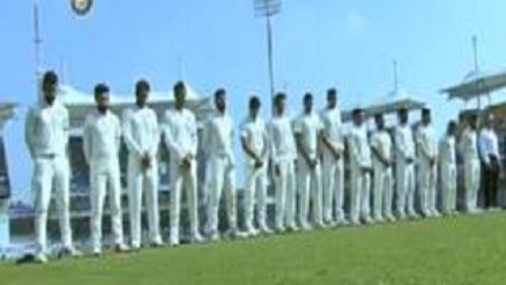 மறைந்த முதல்வர் ஜெயலலிதாவுக்கு இந்தியா, இங்கிலாந்து கிரிக்கெட் வீரர்கள் மவுன அஞ்சலி