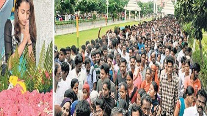 மறைந்த முதல்வர் ஜெயலலிதா நினைவிடத்தில் மக்கள் வெள்ளம் ; பல்லாயிரக்கணக்கான மக்கள் அஞ்சலி