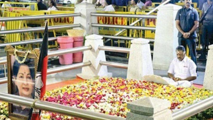 கட்டாயப்படுத்தியதால் ராஜிநாமா செய்தேன் : ஜெயலலிதா நினைவிடத்தில் முதல்வர் ஓ. பன்னீர்செல்வம் பரபரப்பு பேட்டி